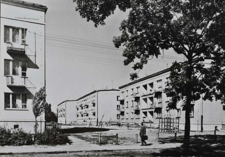 Osiedle M. Nowotki (Zamkowe) Bloki nr 14, 13, 12, po lewej nr 1., stare zdjęcia -