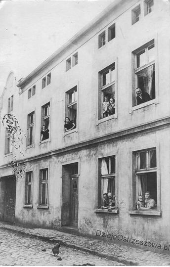 Lata dwudzieste, kamienica przy ulicy Św. Mikołaja 59, (obecnie numer 10) będąca..., stare zdjęcia -