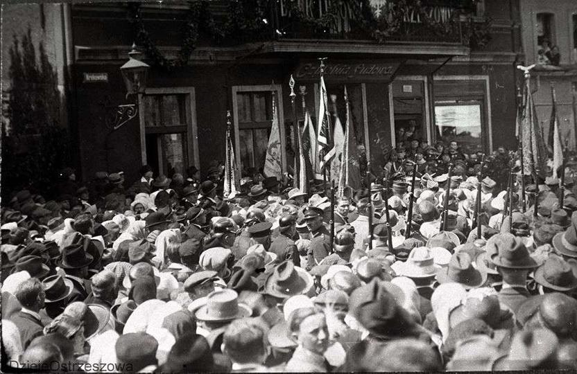 7 czerwca 1925 rok, po ceremonii związanej z odsłonięciem pomnika ku czci poległ..., stare zdjęcia -