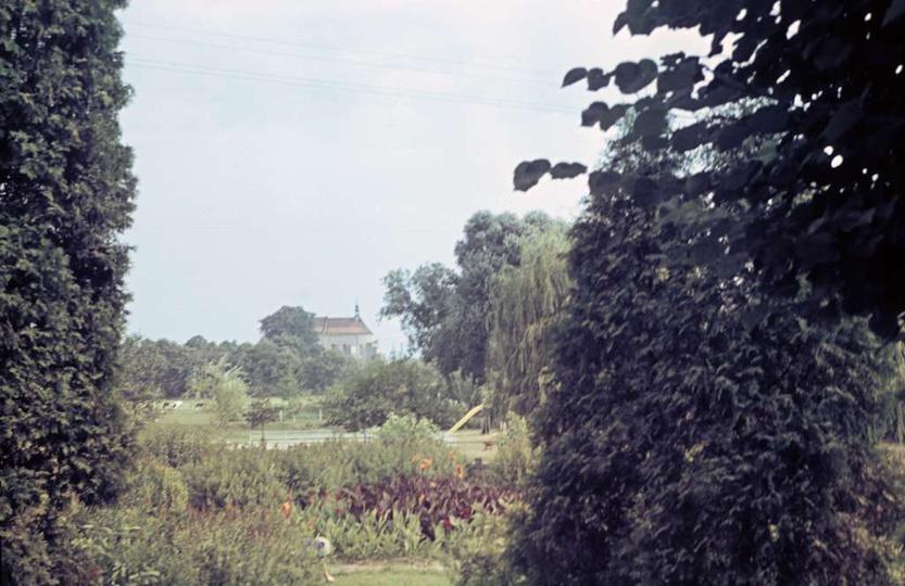 Początek lat siedemdziesiątych, widok na klasztor od ulicy Boh. Stalingradu (Zam..., stare zdjęcia -
