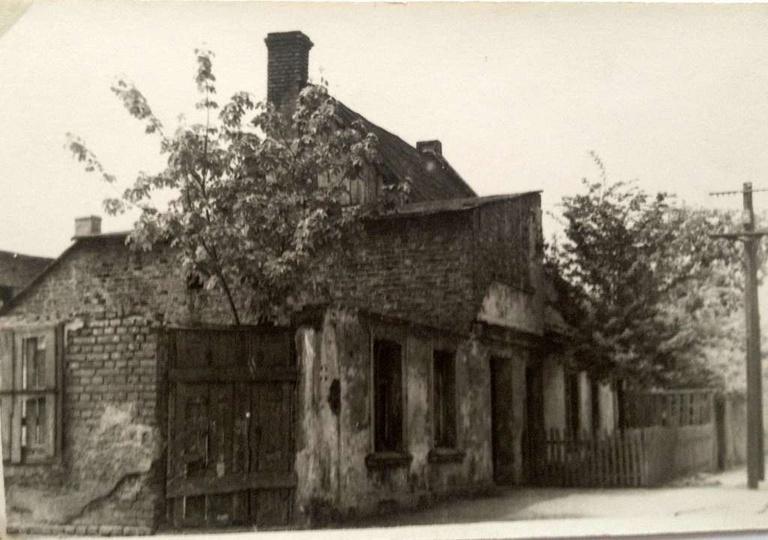 Lata 60-te, ulica Daszyńskiego (dawna Ogrodowa), po prawej Borek. W budynku po l..., stare zdjęcia -