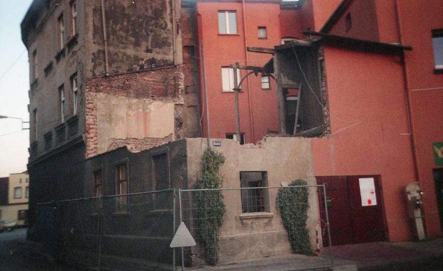 Rozbiórka budynku na Stawku, rok ok. 2005, stare zdjęcia -