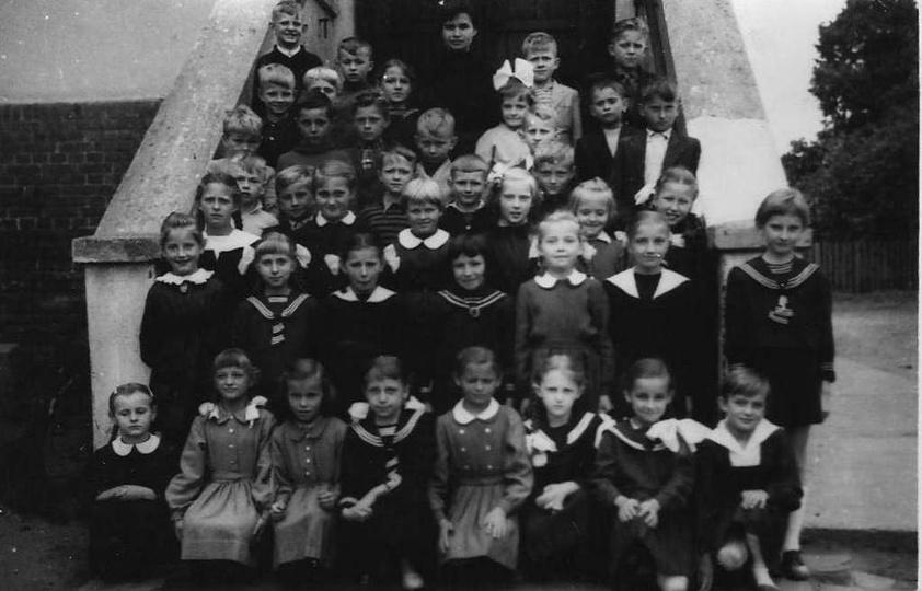 Szkoła Podstawowa nr 1, rok 1959/60, klasa II, wychowawczyni Danuta Makles. Zdję..., stare zdjęcia -