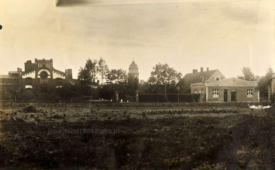 Lata trzydzieste, obecnie ulica Sportowa. Po lewej widoczny budynek gazowni, pro..., stare zdjęcia -