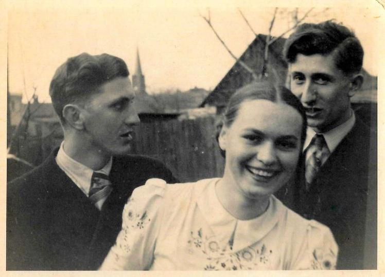 Koniec lat trzydziestych, ulica Ogrodowa obecnie Daszyńskiego, w tyle widoczny k..., stare zdjęcia -