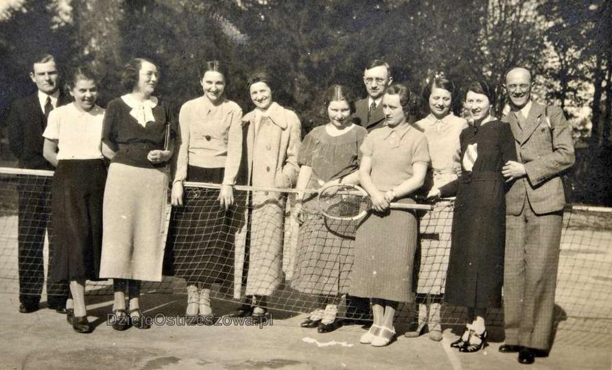 Maj 1937 rok, otwarcie klubu tenisowego w Ostrzeszowie. Fotografie zrobiono praw..., stare zdjęcia -