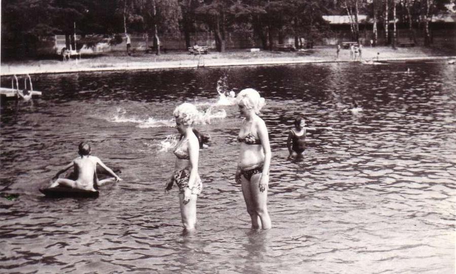 Ostrzeszowski basen. lata sześćdziesiąte. Ze zbiorów Konrada Kempy., stare zdjęcia -