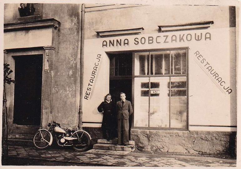 Restauracja Anny Sobczak przy Ulicy Sikorskiego (obecnie nr 7, mieści się tutaj ..., stare zdjęcia -