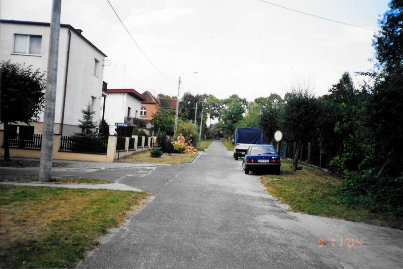 Rok 2004, zbieg ulicy Pocztowej i Stefana Okrzei., stare zdjęcia -