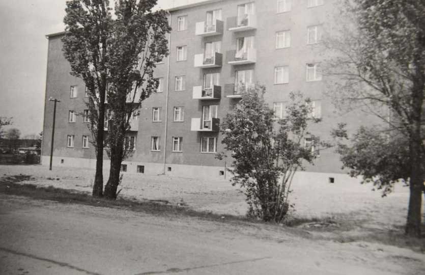 """Osiedle M. Nowotki Blok nr 16 od strony """"autostrady"""", stare zdjęcia -"""