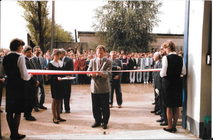 Wrzesień 1994 rok, uroczysta ceremonia  otwarcia nowych warsztatów szkolnych w Z..., stare zdjęcia -