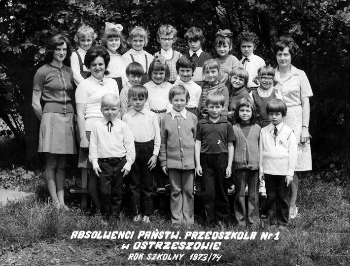 Absolwenci Państwowego Przedszkola Nr 1  w Ostrzeszowie. Rok szkolny 1973/74., stare zdjęcia -
