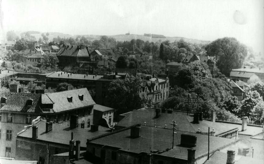 Widok z baszty na ulicę Sienkiewicz. Na skrzyżowaniu z Kolejową dobrze widoczna ..., stare zdjęcia -