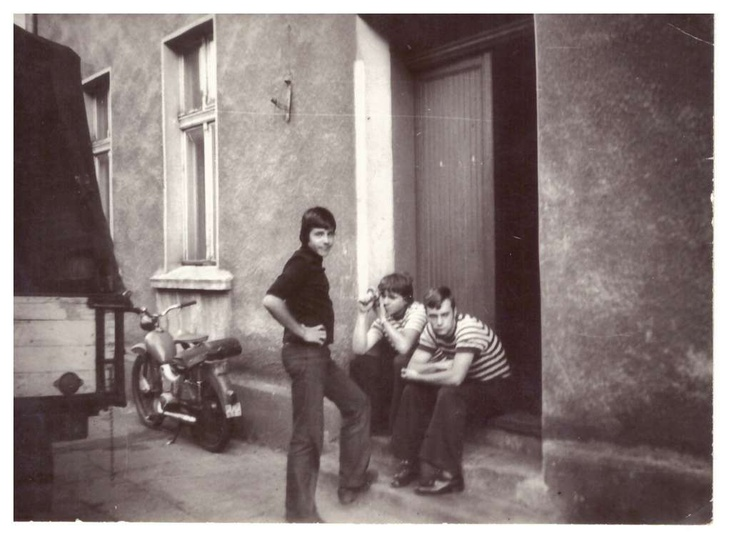 na zdjęciu była ulica Armii Czerwonej 20 obecnie Kolejowa 20 gdzie znajdowała si..., stare zdjęcia -