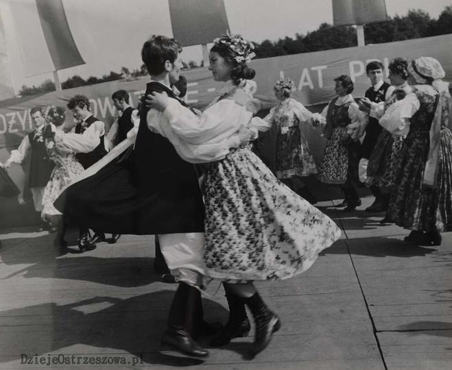 25 lat PRL. 14-16 IX 1969 rok.  25-lecie powstania PRL-u obchodzono w Ostrzesz..., stare zdjęcia -