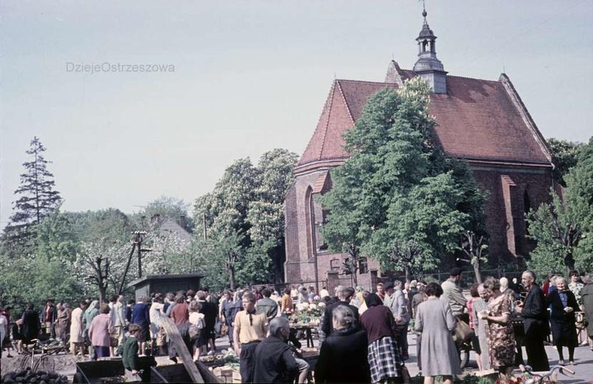 Początek lat siedemdziesiątych, targ na placu Kazimierza. Wspaniała fotografia, ..., stare zdjęcia -