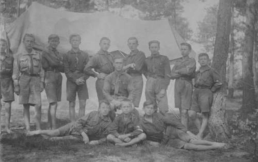 Obóz harcerski drużyny im. Tadeusza Kościuszki przy Seminarium Państwowym w Ostr..., stare zdjęcia -