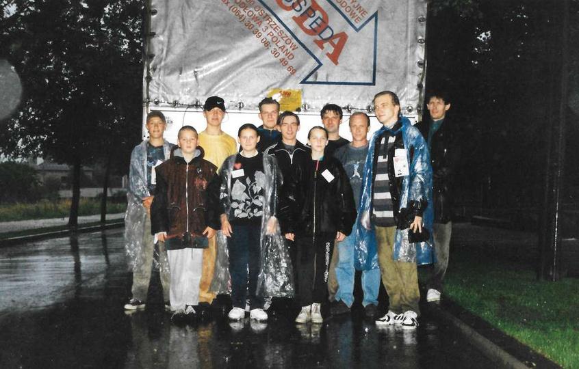 Lipiec 1997 rok, akcja pomocy zbierania darów dla powodzian. Zdj. ze zbiorów Ku..., stare zdjęcia -