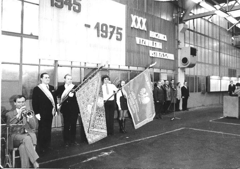 Rok 1975, uroczystości we FUM-ie związane z 30-tą rocznicą wyzwolenia Ostrzeszow..., stare zdjęcia -