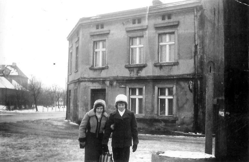 Lata osiemdziesiąte, styk ulicy Świętego Mikołaja i Łąkowej. Ze zbiorów rodziny..., stare zdjęcia -