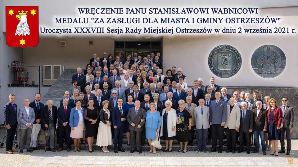 """Wręczenia Stanisławowi Wabnicowi medalu """"ZA ZASŁUGI DLA MIASTA I GMINY OSTRZESZÓ..., stare zdjęcia -"""