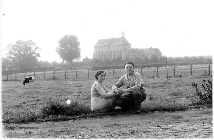 Pobernardyński Zespół Klasztorny. Widok na klasztorek, lata sześćdziesiąte. Na ..., stare zdjęcia -