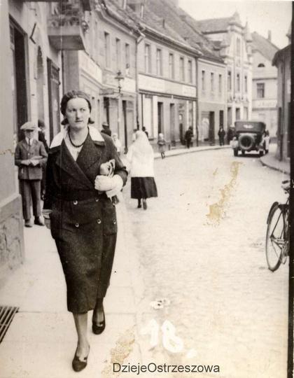 Ulica Krakowska (Sikorskiego w kierunku Rynku), lata trzydzieste. Do tej pory ty..., stare zdjęcia -