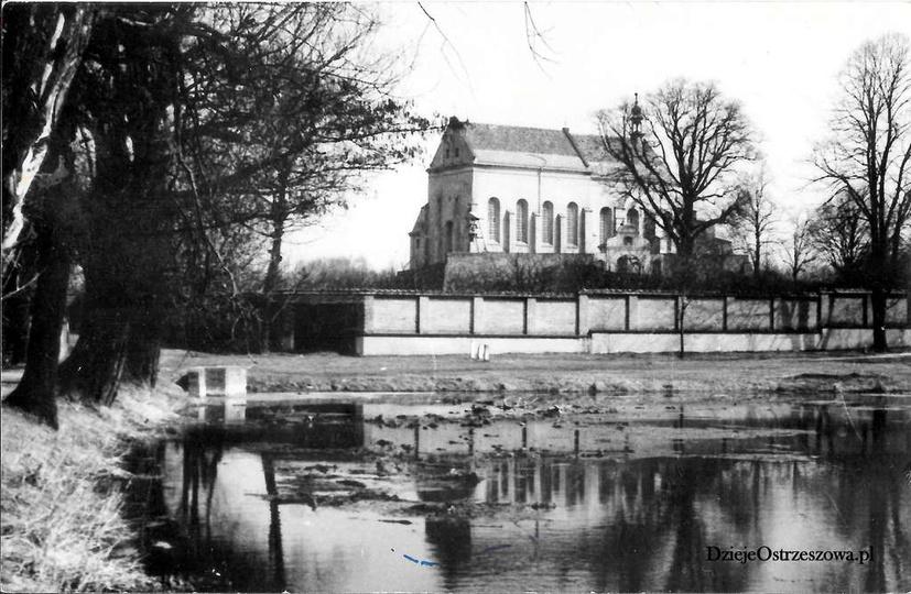 Pobernardyński Zespół Klasztorny. Przyklasztorny staw, prawdopodobnie późne lat..., stare zdjęcia -