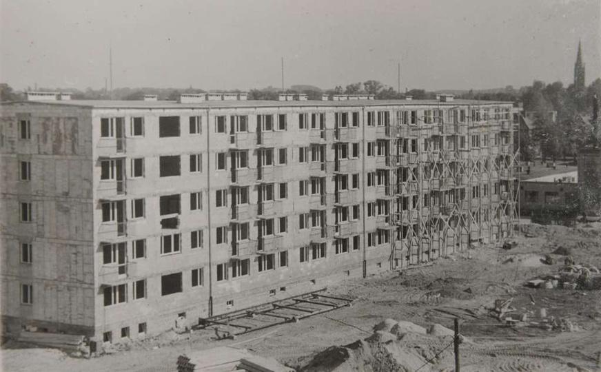 Osiedle M. Nowotki (Zamkowe) Blok nr 25 oddano do użytku 28 marca 1974 roku. Og..., stare zdjęcia -