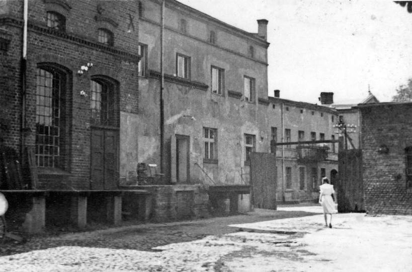 Lata 50-te, browar państwa Śliwińskich. Widoczna brama wjazdowa od strony ulicy ..., stare zdjęcia -