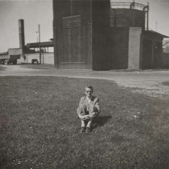 Początek lat pięćdziesiątych, widoczna drewniana wieża strażacka i garaże OSP, w..., stare zdjęcia -