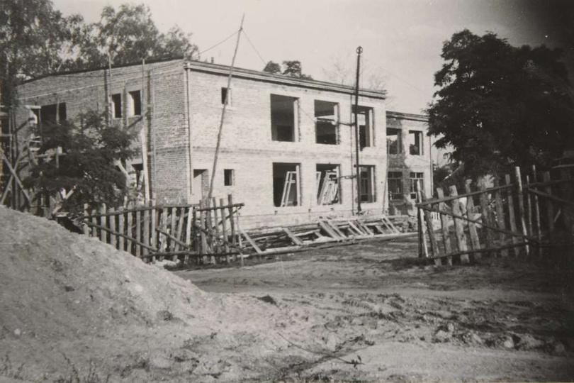Osiedle M. Nowotki. Rok ok. 1967, budowa Przedszkola nr 2 przy ulicy Boh. Stali..., stare zdjęcia -
