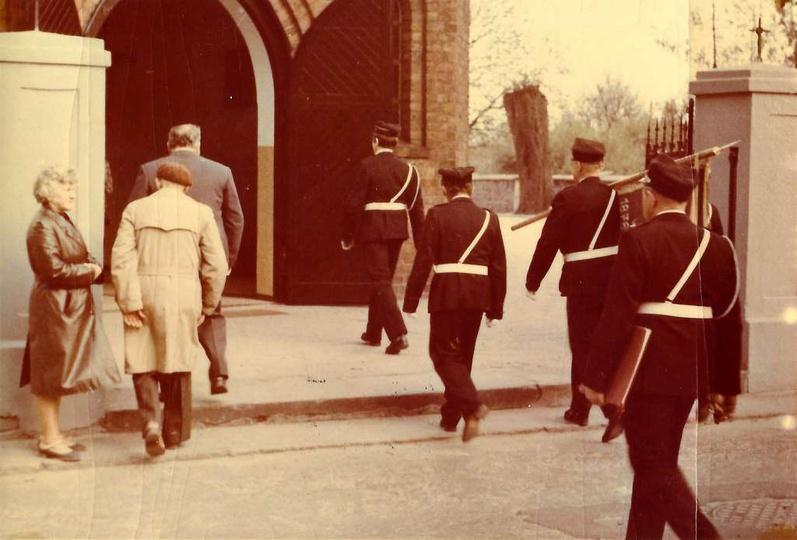 04.05.1982 rok. Obchody Dnia Strażaka i uroczyste poświęcenie nowego sztandaru...., stare zdjęcia -