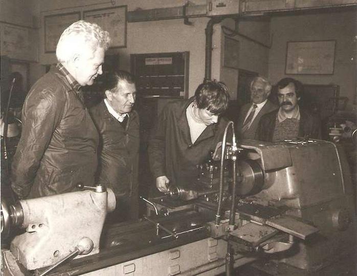 Wizytacja w Warsztatach Szkolnych przy FUM-Ostrzeszów.Rok 1982-06-08.Wizytatorzy..., stare zdjęcia -