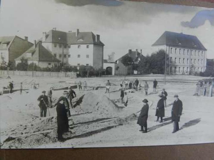 Szkola Podstawowa Nr2 w budowie, stare zdjęcia -