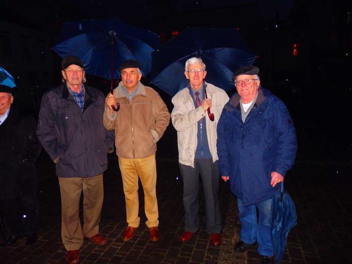 17 marca 2017 r., uroczystość na Rynku, pod domem Pana Tadeusza Pacanowskiego z ..., stare zdjęcia -