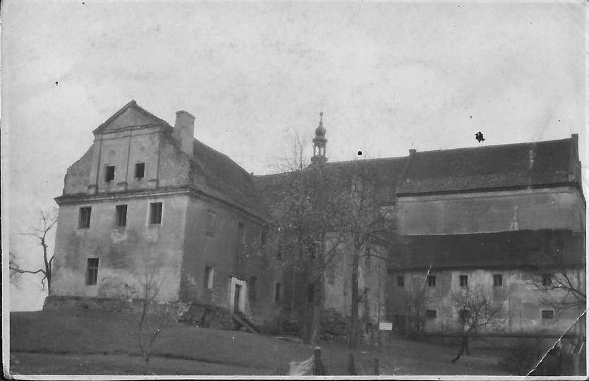 Nieznane dotąd zdjęcie, zaniedbanego i opuszczonego klasztoru, prawdopodobnie z ... -