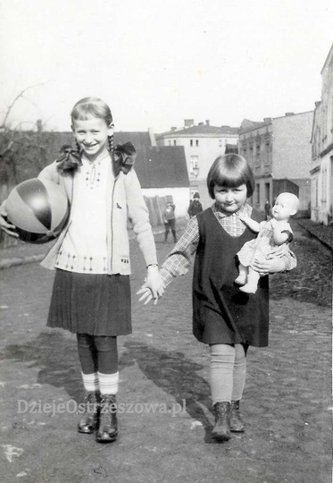 Lata trzydzieste, ulica Ogrodowa (obecnie Daszyńskiego) w tyle Borek, widoczna u..., stare zdjęcia -