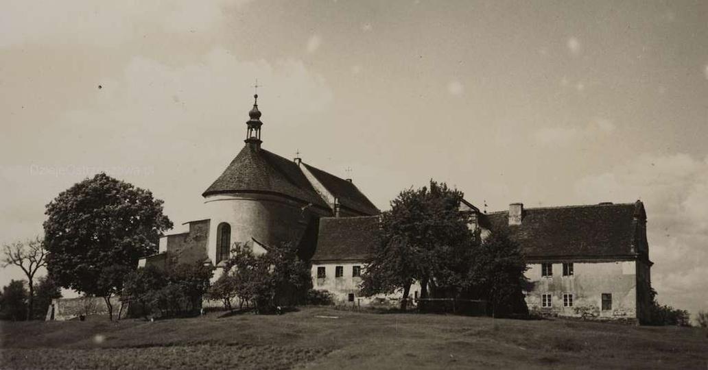 Początek lat trzydziestych, kościół i klasztor pobernardyński, stare zdjęcia -