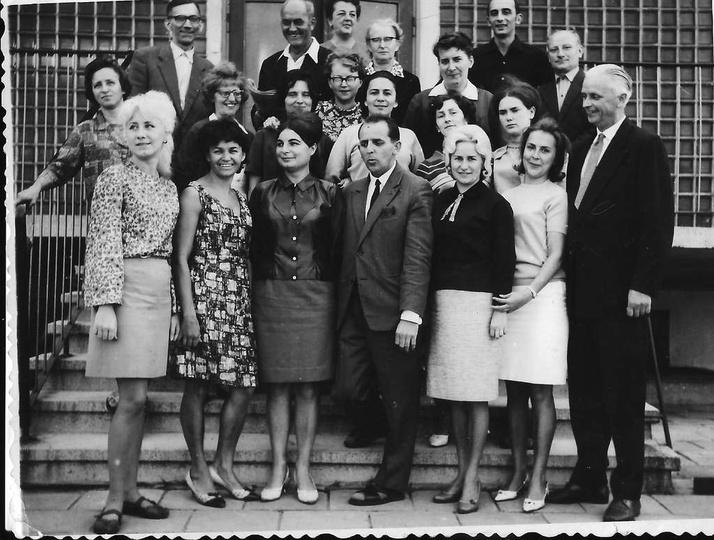 Kadra pedagogiczna Szkoły Podstawowej nr 1, prawdopodobnie koniec lat sześćdzies..., stare zdjęcia -