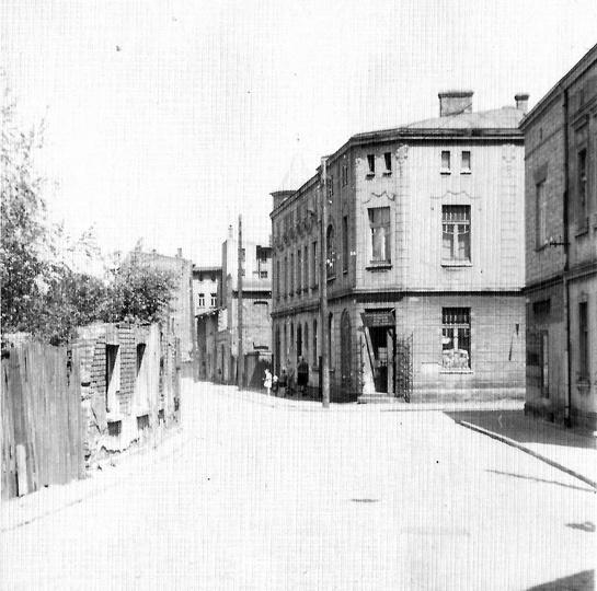 Lata 60-te, ulica Daszyńskiego (dawna Ogrodowa), po prawej ulica Chmielna. W bud..., stare zdjęcia -