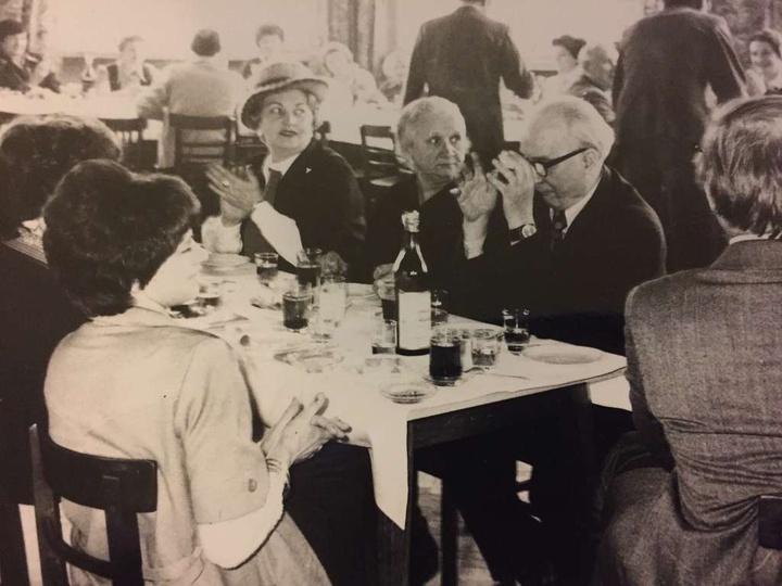 Rok 1978 Cech Rzemiosl Roznych ,Dzien Kobiet...pierwszy z prawej P.Mieszala kier..., stare zdjęcia -