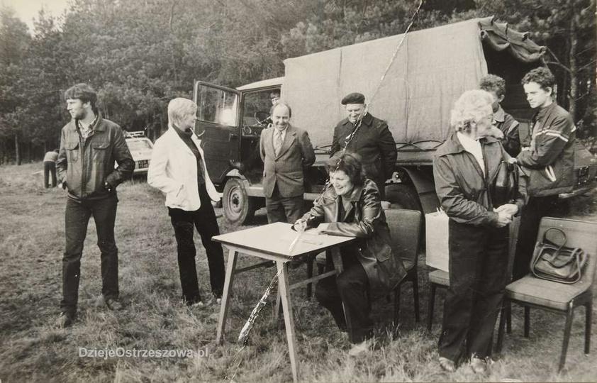 Zawody latawców płaskich i skrzynkowych zorganizowane przez Praktyczną Panią i S..., stare zdjęcia -