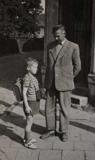 Koniec lat 50-tych, zbieg ulicy Garncarskiej i placu Borek. Antoni Matysik z dum..., stare zdjęcia -