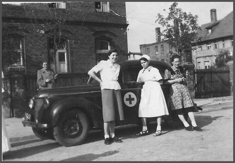 Początek lat 50-tych, aleja Wolności i fragment budynku starego szpitala (wybudo..., stare zdjęcia -
