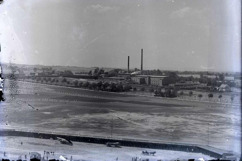 Sierpień 1934 rok, widok z wieży ciśnień na cegielnię na Budach. Dobrze widoczna..., stare zdjęcia -