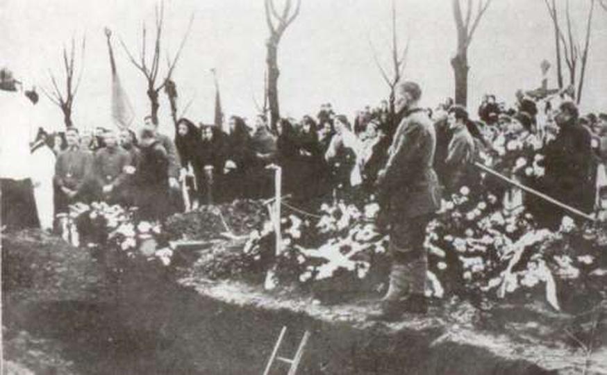 Pogrzeb powstańców poległych pod Korzeniem 1919, stare zdjęcia -