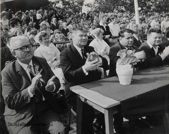25 lat PRL. 14-16 IX 1969 rok. 25-lecie powstania PRL-u obchodzono w Ostrzeszo..., stare zdjęcia -
