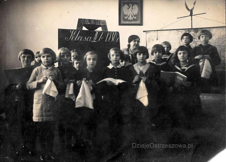 Zdjęcie dedykujemy wszystkim nauczycielom i uczniom cierpiących katusze z powodu... -