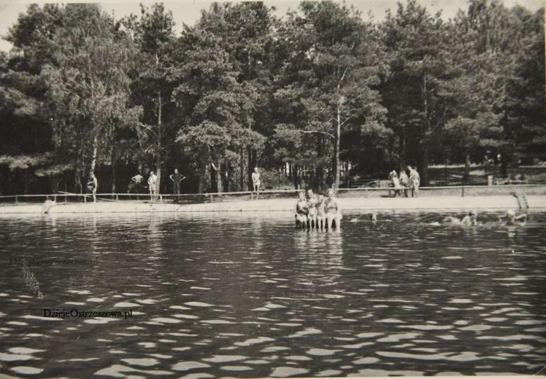 Basen w Ostrzeszowie, lata pięćdziesiąte., stare zdjęcia -